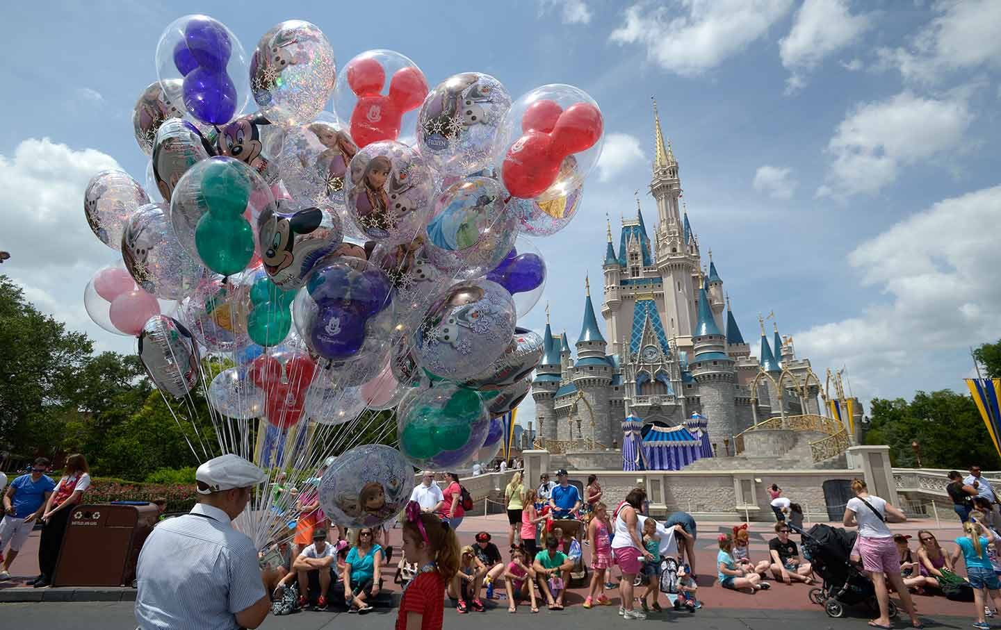 Disneyland Florida Are Disney Workers Having A Hard Time Making Ends Meet The Nation
