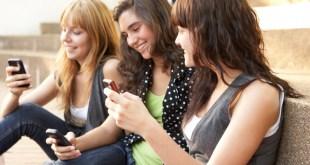 social-media-teens-friends