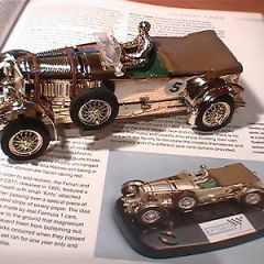 BENTLEY GOLD C-64 SCALEXTRIC  SPECIAL EDITION