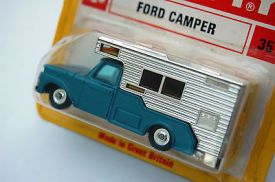 old-shop-stock-mint-husky-models-no-35-ford-camper-within-red-yellow-blister-2273