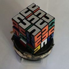 Unusual Rubiks Type Snake Cube Twist Puzzle