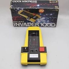 VINTAGE GALAXY INVADER 1000 COMPUTER GAME HAND HELD WORKING BOXED