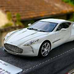 TECNOMODEL  Aston Martin One77 pearl white 1:43 no BBR Amr Looksmart Make Up