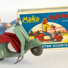 RARE 1940s Moko England Grey POP POP Scooter Box & Rider Lesney Dinky Corgi