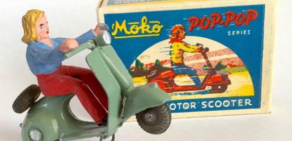 RARE 1940s Moko England Grey POP POP Scooter Box & Rider Lesney Dinky Corgi