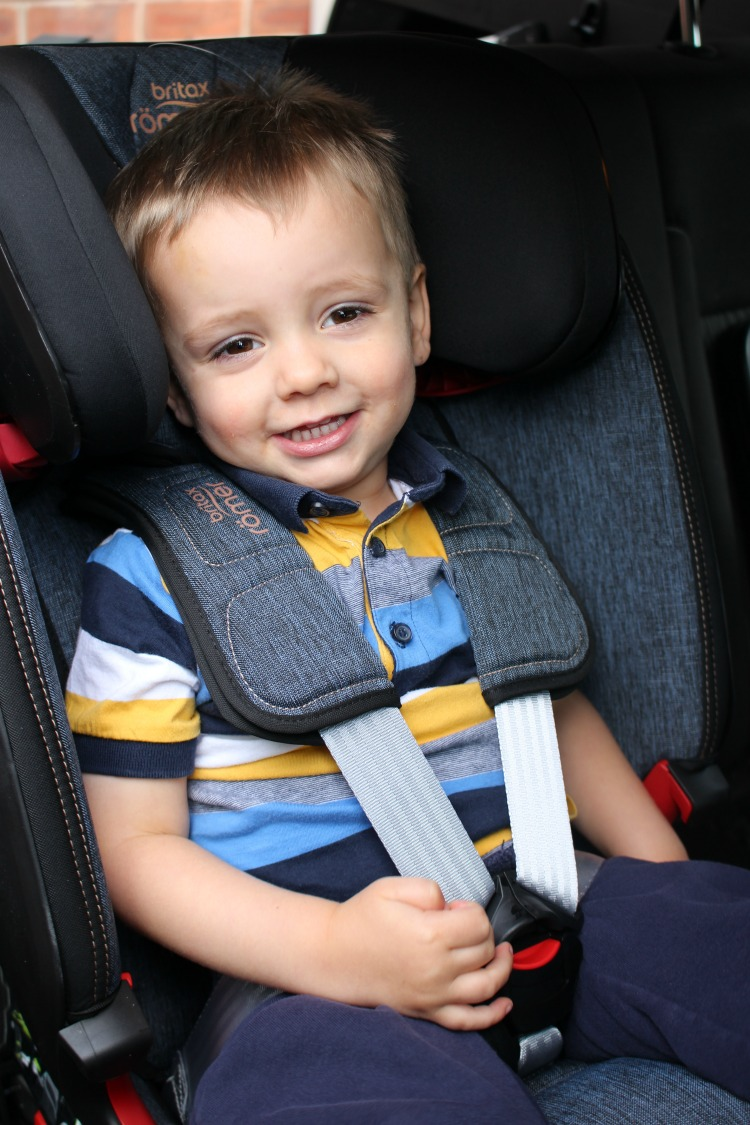 Britax Advansafix Iii Isofix Solving The Issue Of Multiple Car Seats In The Back Of The