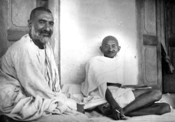 -abdul-ghaffar-khan-Gandi]
