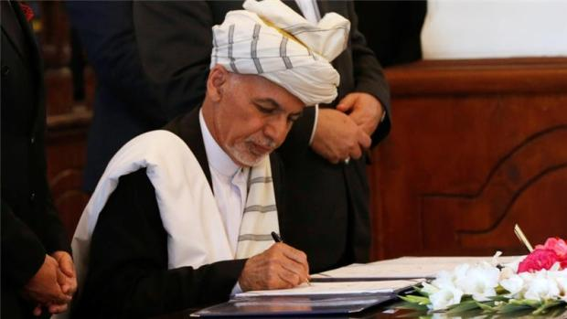 ghani-signs-peace-deal