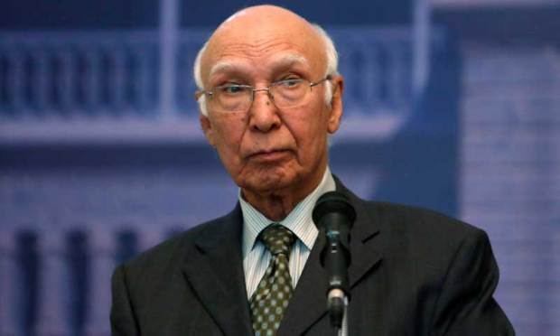 Sartaj Aziz, Pakistani Prime Minister Nawaz Sharif's adviser on foreign affairs, speaks during a news conference in Kabul July 21, 2013. Aziz denied on Sunday backing Afghanistan's breakup or planning to end the Afghan war with a power-sharing role for the Taliban during a fence-mending visit to Kabul aimed at lowering cross-border tension. REUTERS/Mohammad Ismail (AFGHANISTAN - Tags: POLITICS HEADSHOT)