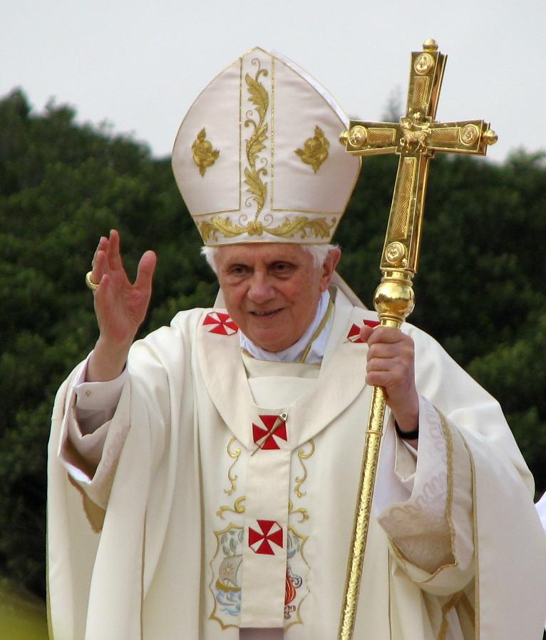 2010 Malta - Pope Benedict 21