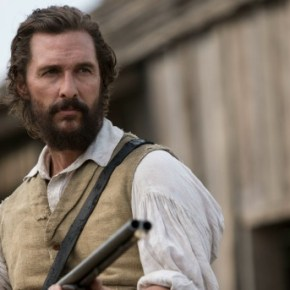 Newt (Matthew McConaughey) confronts Lt. Barbour at Mary's house