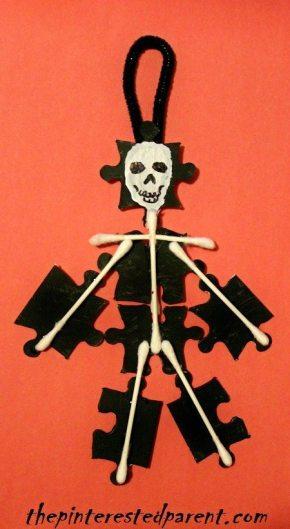 Puzzle Piece & Q-tip Skeleton - Halloween Kids Crafts
