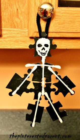 Puzzle Piece & Q-tips Skeleton Craft - Halloween Crafts for kids