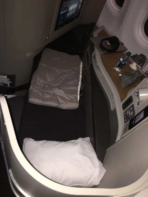 The AA 321 Seat/Bed