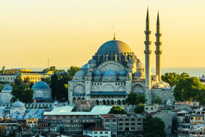Summer sunset in Istanbul. Photo courtesy of Shutterstock.