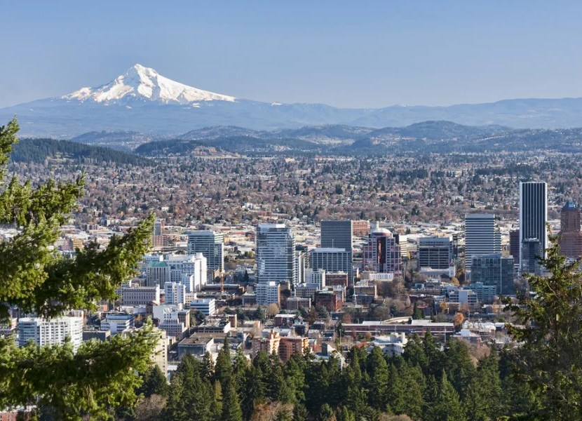 View overlooking Portland from Washington Park (Photo courtesy of Shutterstock)