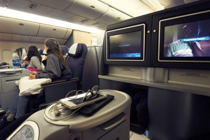 With seats alternating between front and rear-facing, don't expect any privacy in United's business class.