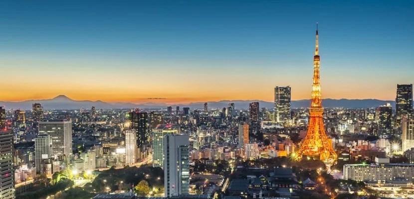 Tokyo at night featured shutterstock 122019985