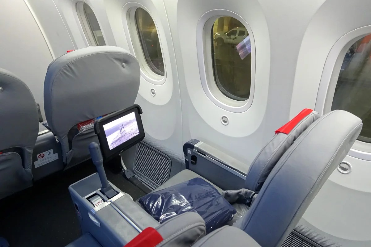 Review Norwegian Air 787 Premium Class London To New York