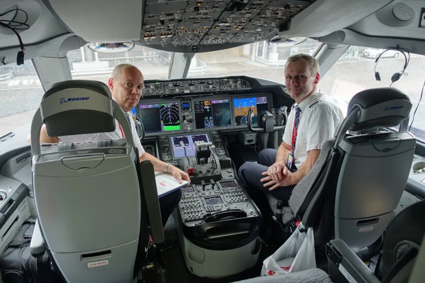Our cockpit crew after landing at OSL.