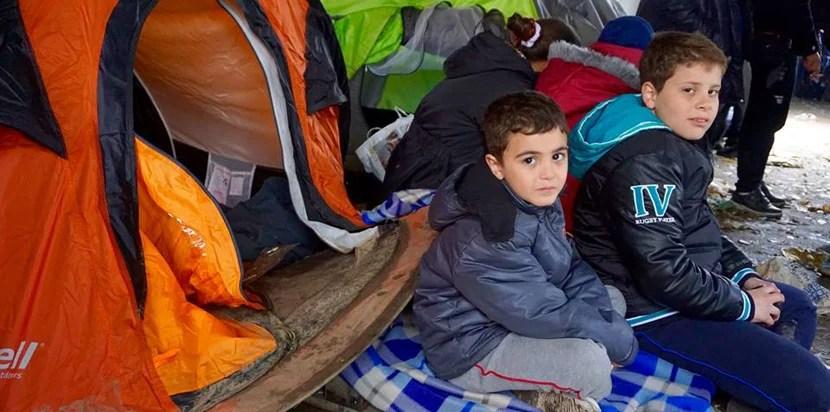 syrian-refugees-lebanon-tent-settlement