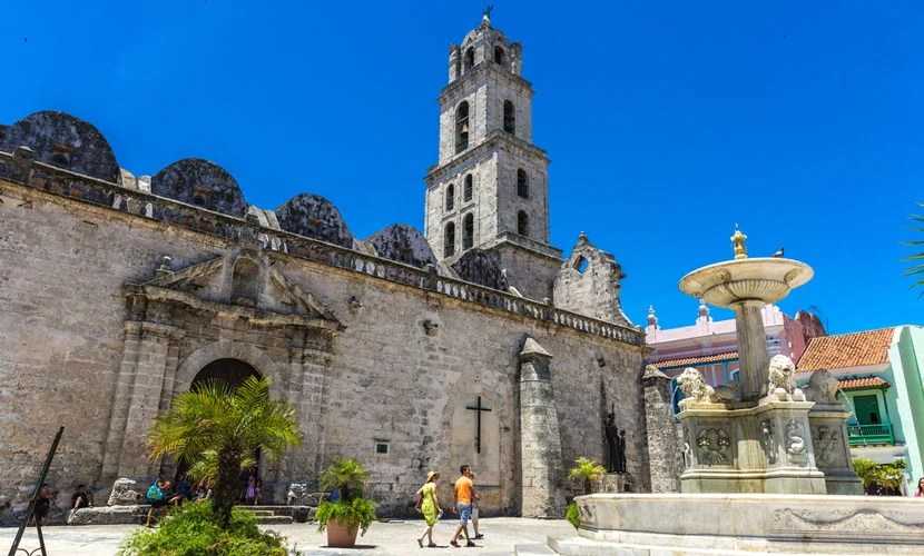 Traveling to Cuba could become much easier in 2016. Image courtesy of Shutterstock.