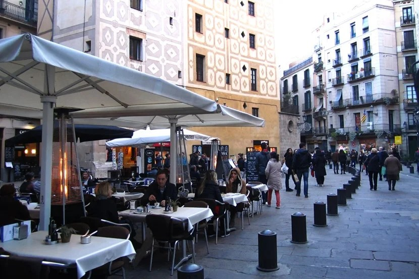 Check out one of the many restaurants in Barcelona's El Born neighborhood.