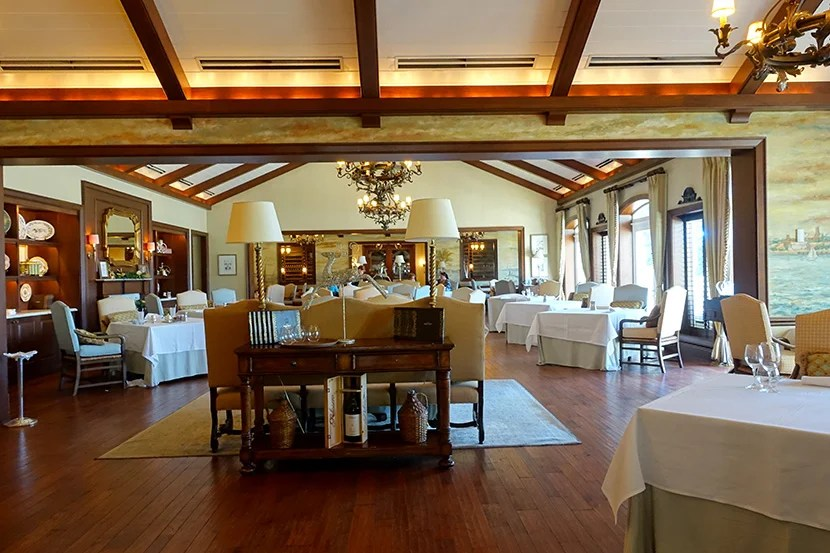 Breakfast was served in this large dining room.