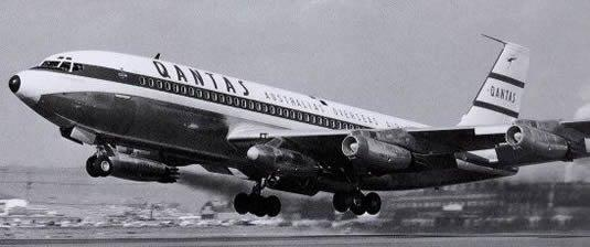 Qantas pioneered the podding system for spare engine ferrying with the 707. Image courtesy of Qantas