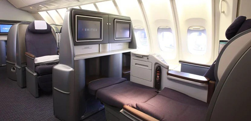 The old United seats are tired and uncompetitive, with a 2-4-2 layout. Image courtesy ofUnited Airlines.