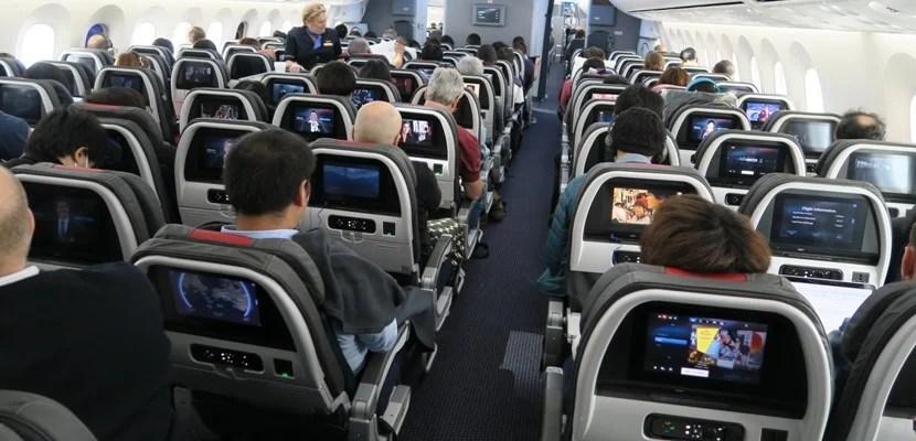 American's 787 economy cabin.