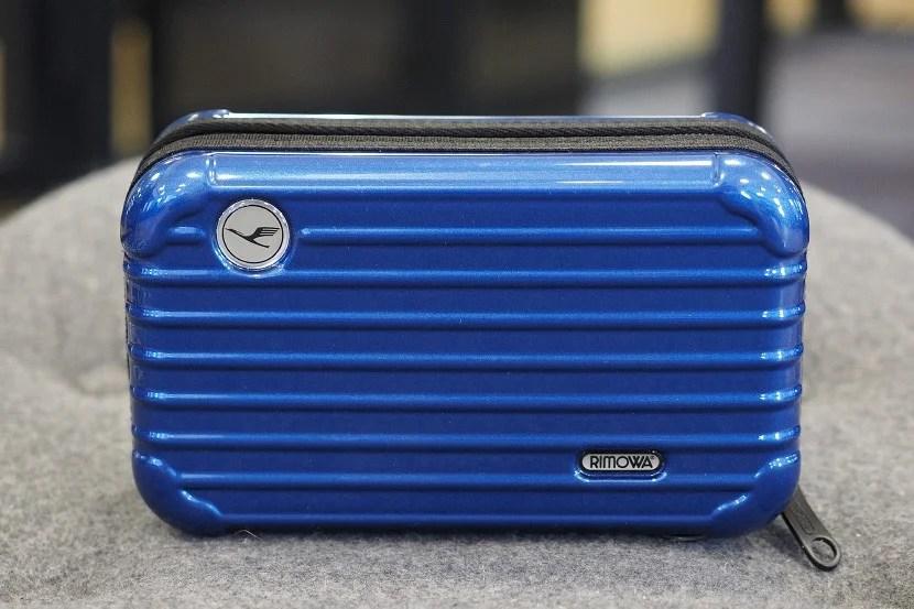 Image of Lufthansa's amenity kit courtesy of Zach Honig.