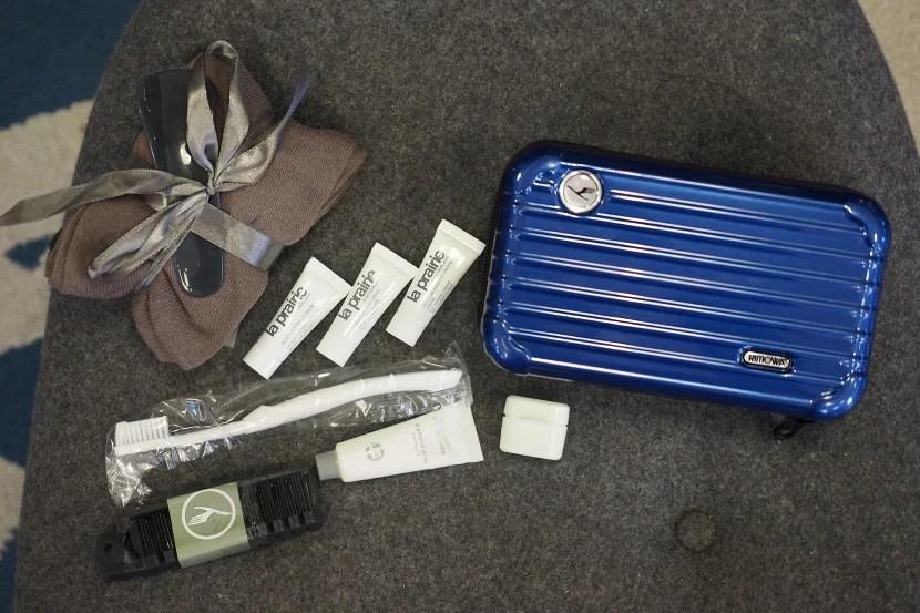 Lufthansa amenity kits