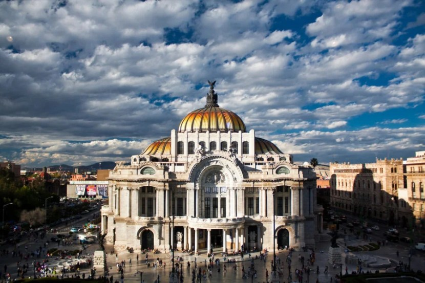 The Fine Arts Museum in Mexico City. Image courtesy of Shutterstock.