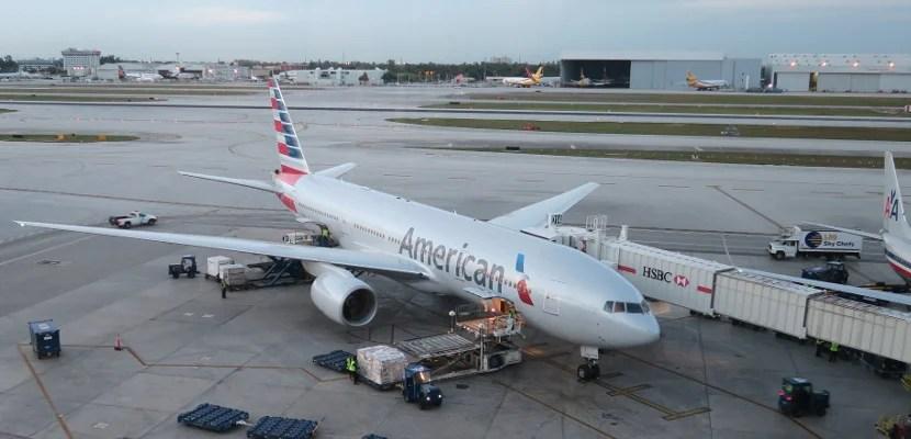 AA 777-200 in MIA