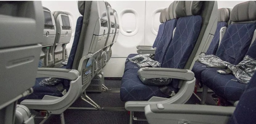 American's A321T economy seat.