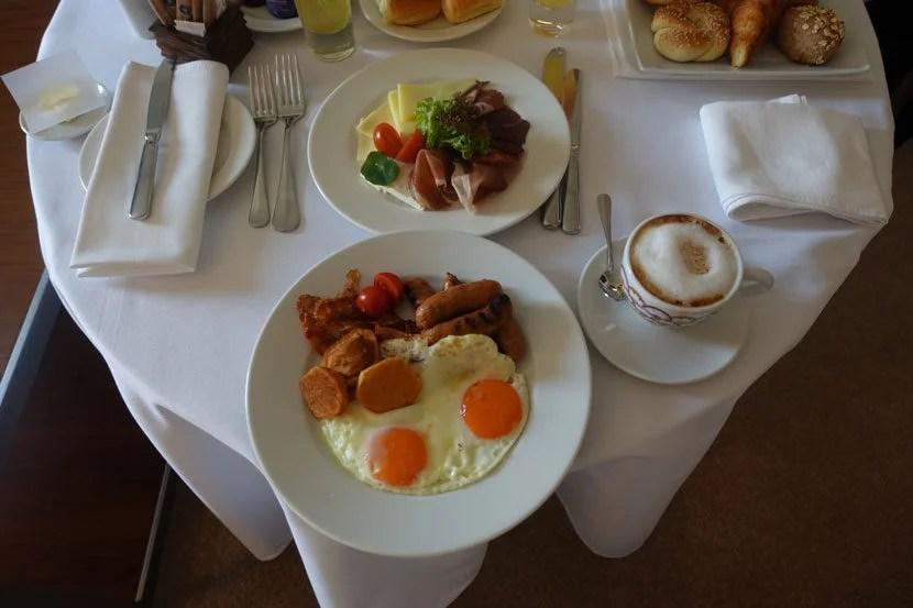 Belgrade-Room-Service4
