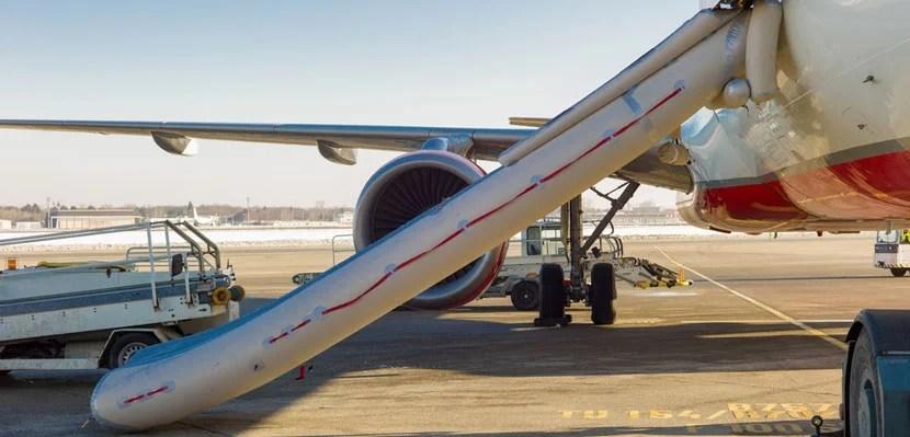 img-plane-slide