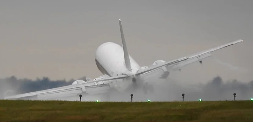 737crosswindfeat