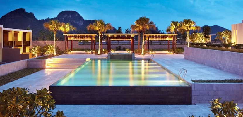 imghyatt-regency-danang-resort-and-spa-hotel-exterior-pool-night