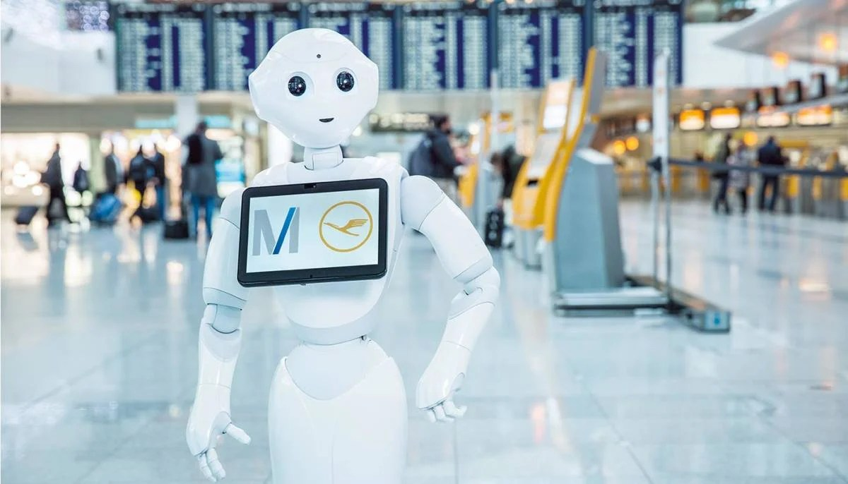 Pepper Finance Reviews Eva Air S Latest Lounge Assistant Is A Robot Named Pepper