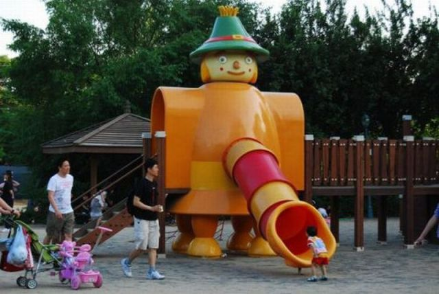Corkscrew Top 20 World's Worst Playgrounds The Poke