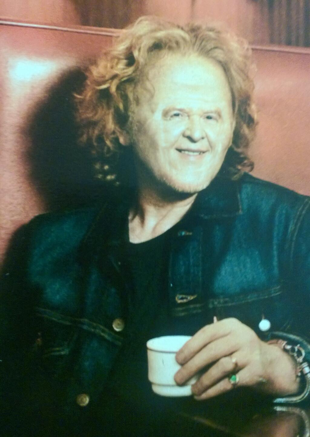 Small Kitchen Small Faced Celebrities - Mick Hucknall The Poke