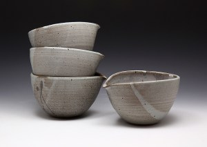 Mia Rhee Small Spouted Bowls