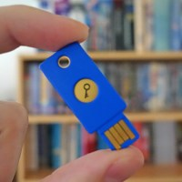 Now You Can Use A USB Stick To Securely Log In to Gmail...