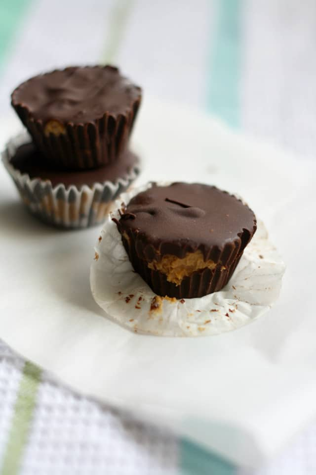dairy free chocolate peanut butter cups vegan