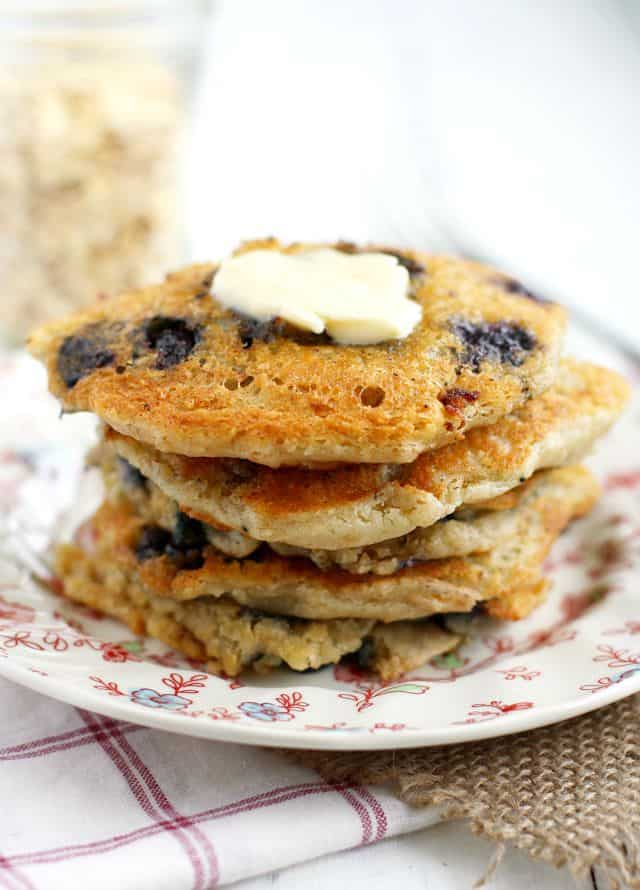 Delicious vegan blueberry oatmeal pancakes that the whole family will ...