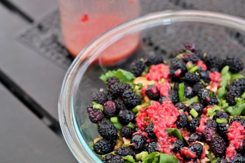 Mulberry Spinach Salad w Raspberry Vinegrette - www.ThePrimalDesire.com