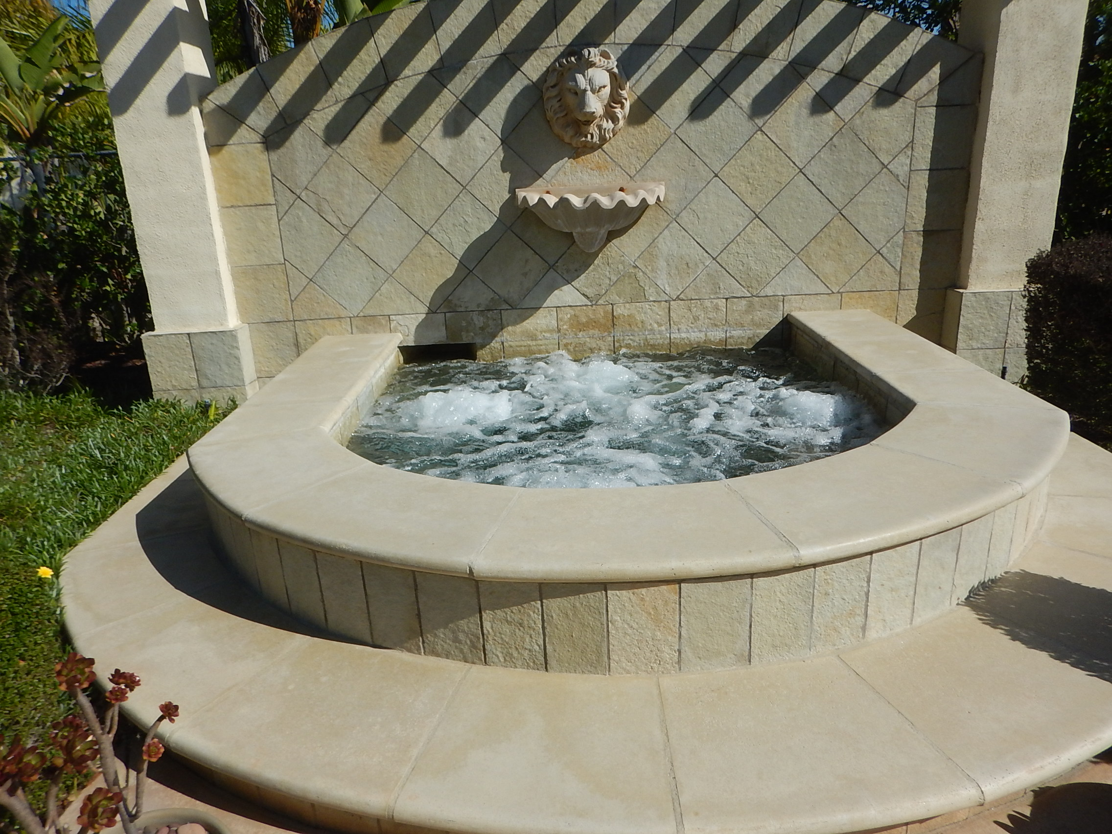 Jacuzzi Pool Covers Pool And Spa Inspections San Diego The Property Inspection Pros