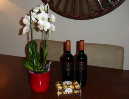 Isis Wine & chocs